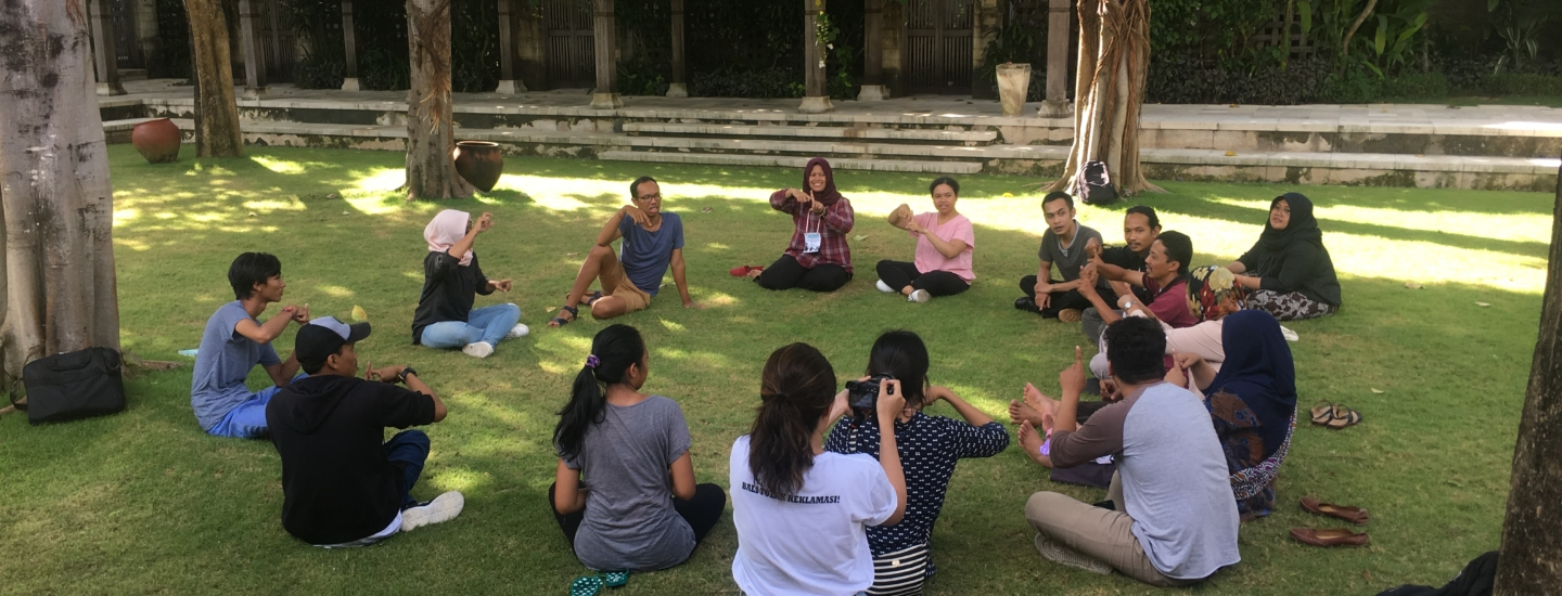 Voice Indonesia Linking and Learning Camp around in a circle learning basic Indonesian Sign Language